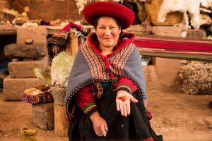 Chinchero weaver showing dye